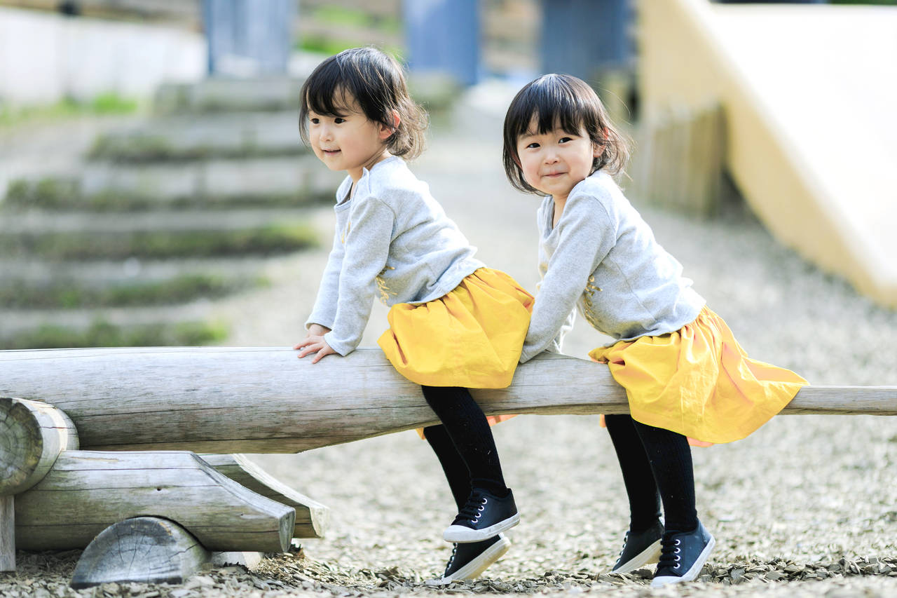 双子の育児が楽になるのはいつ?辛い時期をうまく乗り切るコツ