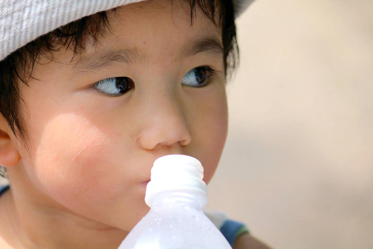 子どもの夏の飲み物に悩む。水分補給にいい飲み物と注意点