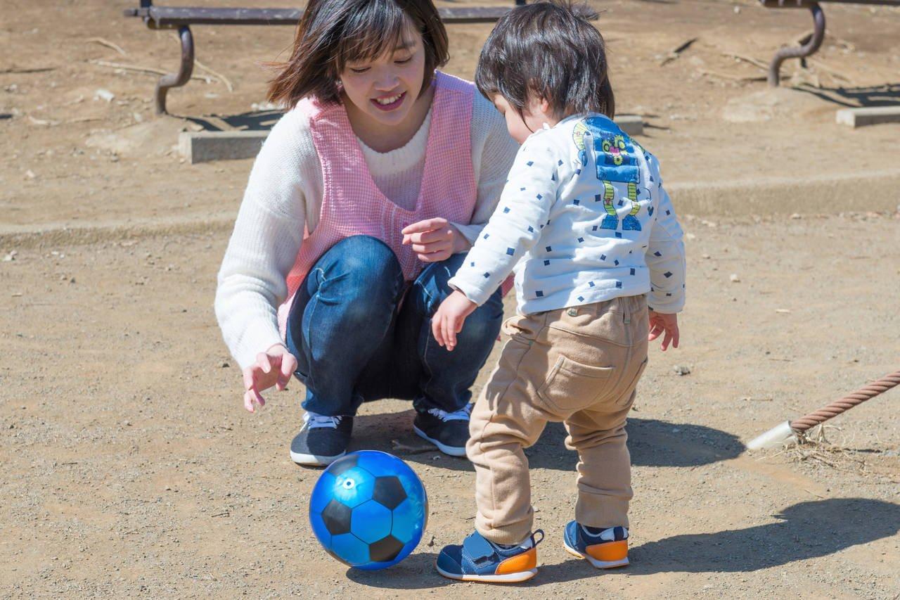 幼児期にボール遊びをしよう!ボール遊びの効果や皆で楽しむ遊び方