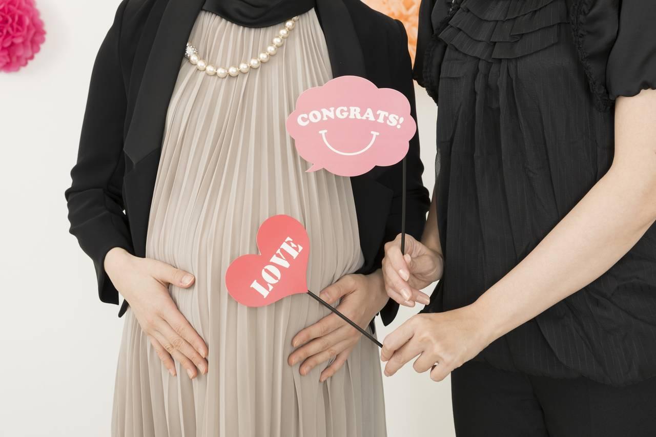 妊娠祝いの必要性は?贈る場合のマナーと注意点や人気のプレゼント