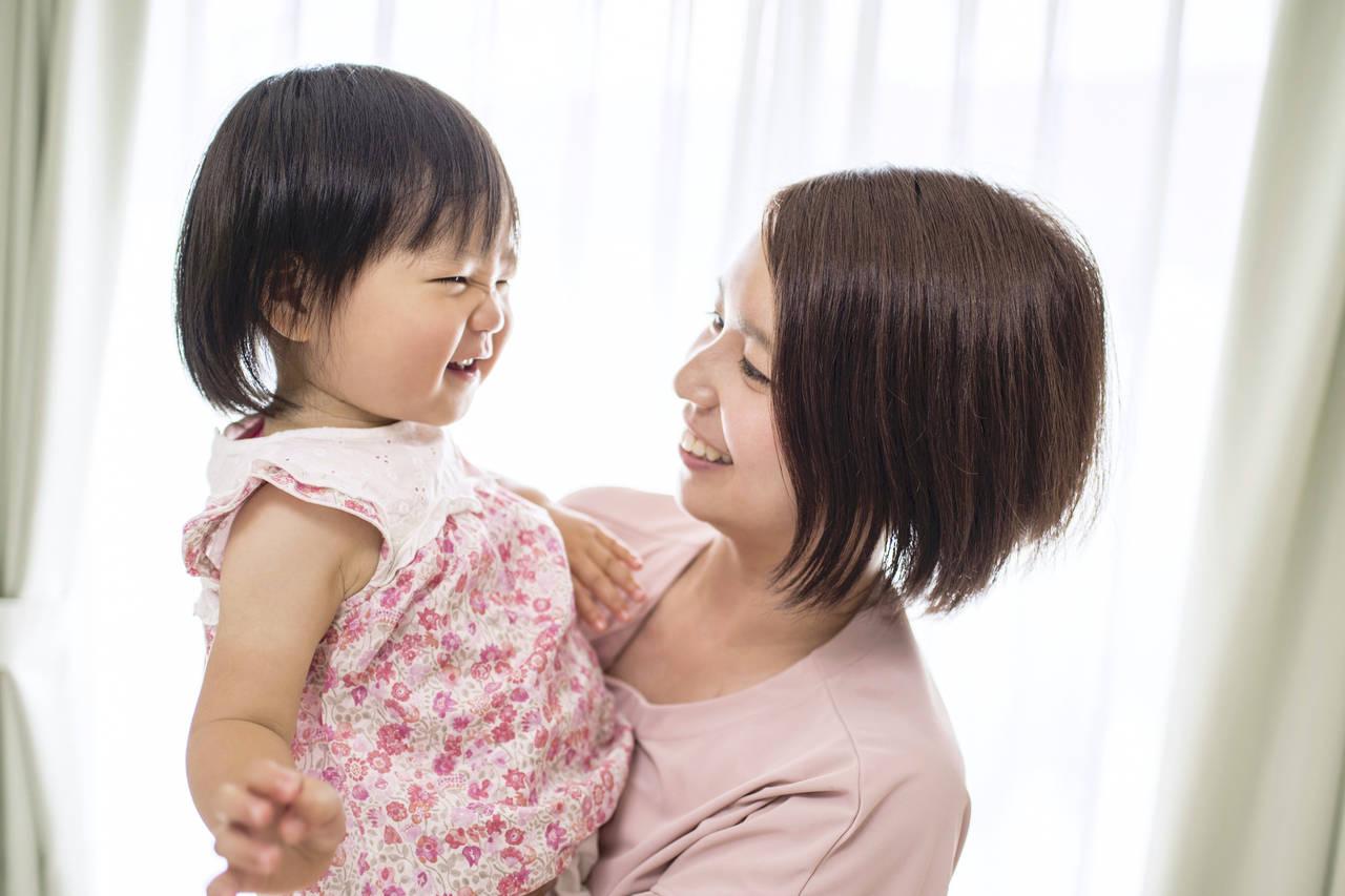幼児期にたくさん抱っこをしよう!負担をかけない方法と人気抱っこ紐