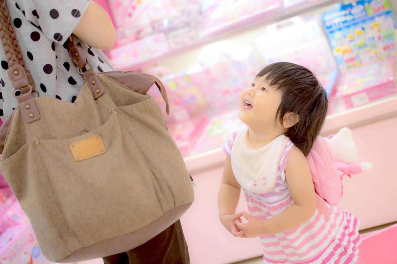 子どもにおもちゃを与えすぎ?与えすぎのリスクと減らす方法