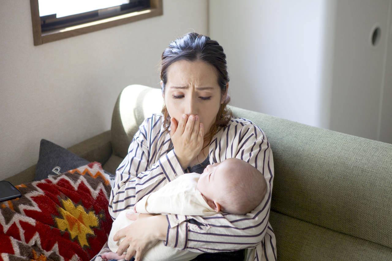 産後の眠気や眠いのに眠れない原因とは?産後の眠気対策を紹介
