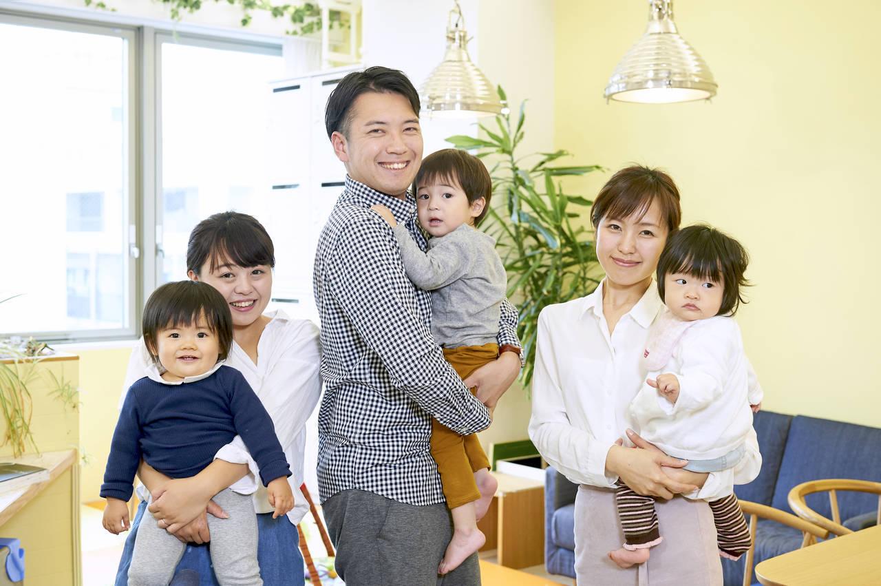 赤ちゃんと一緒にできる仕事の探し方。メリットやデメリットもご紹介