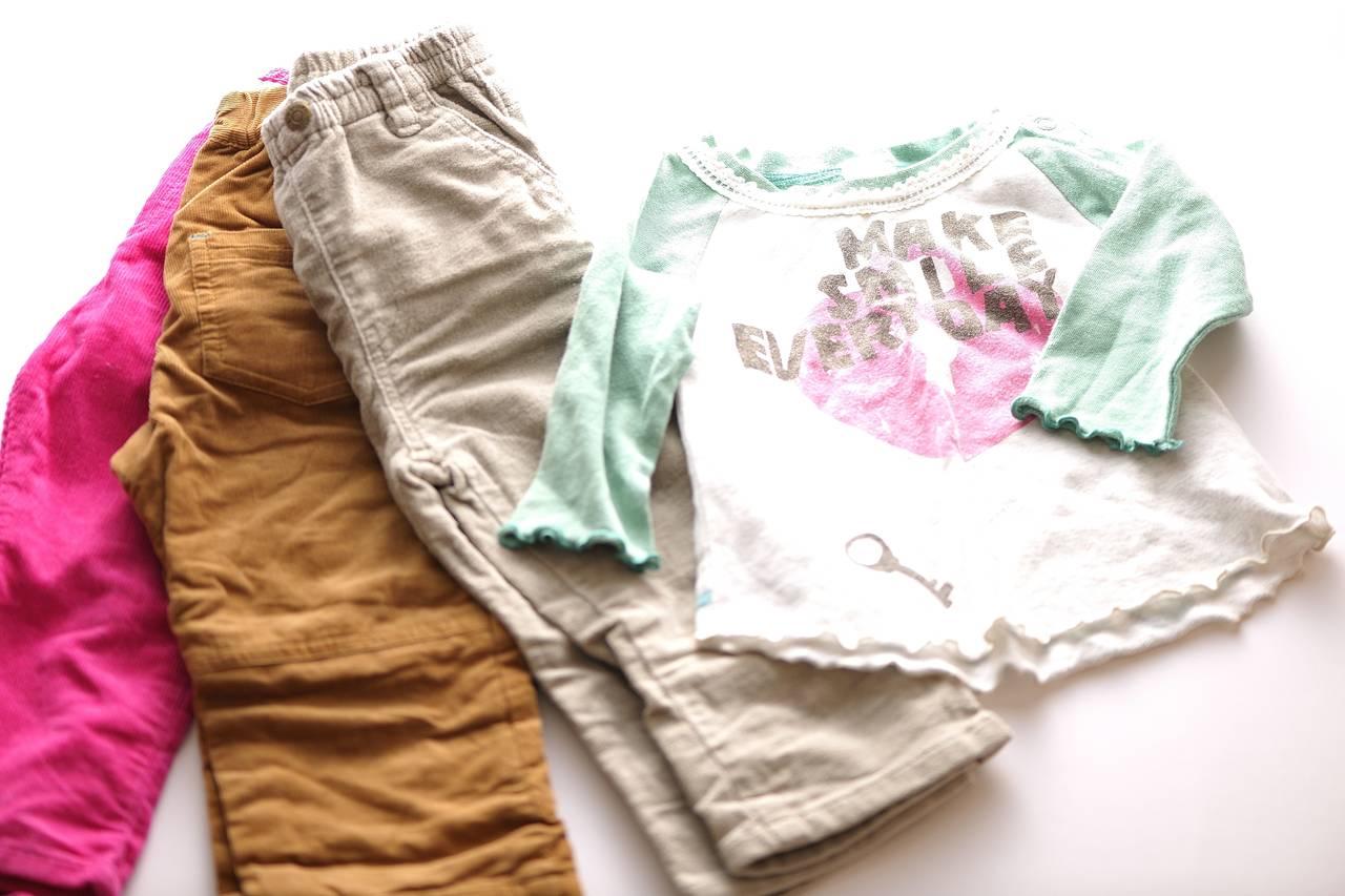 サイズアウトした服のお下がり。渡す、貰うときの注意やほかの活用法
