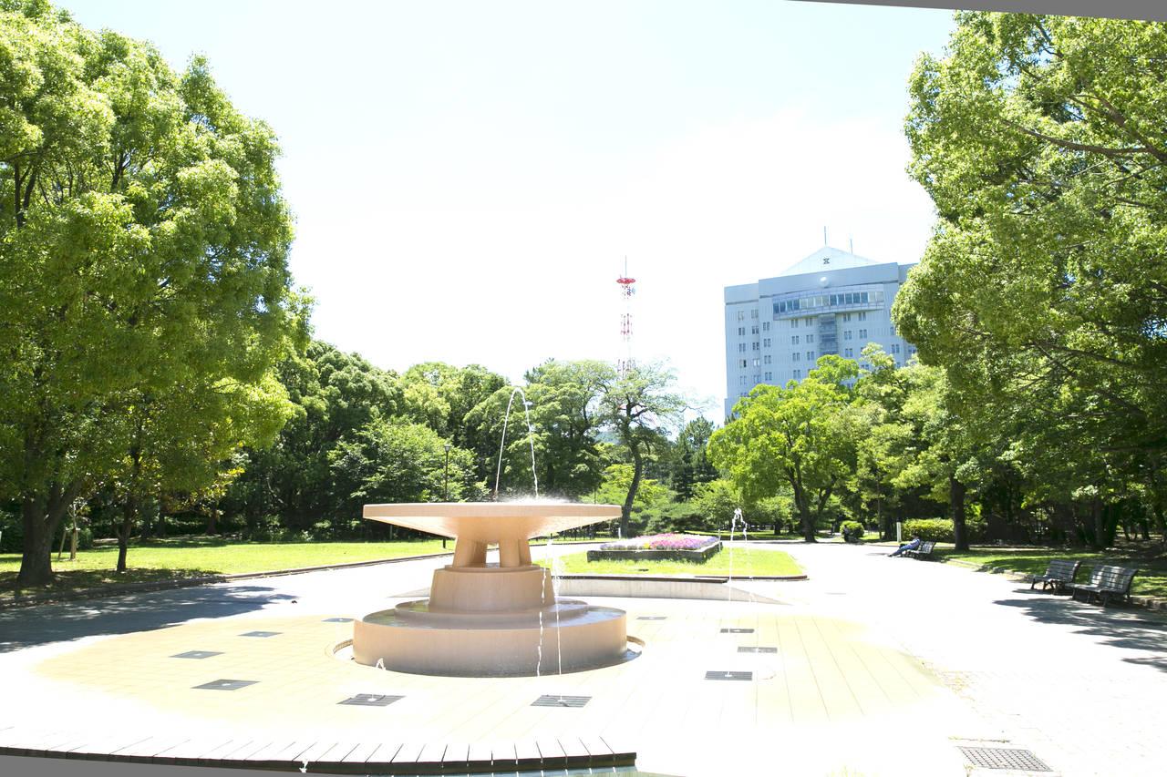 【愛知】美術博物館前のリズミカルな噴水が楽しい「豊橋公園」