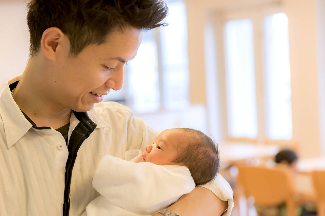 土日に出産すると何が違う?医療費や知っておきたいポイントを紹介