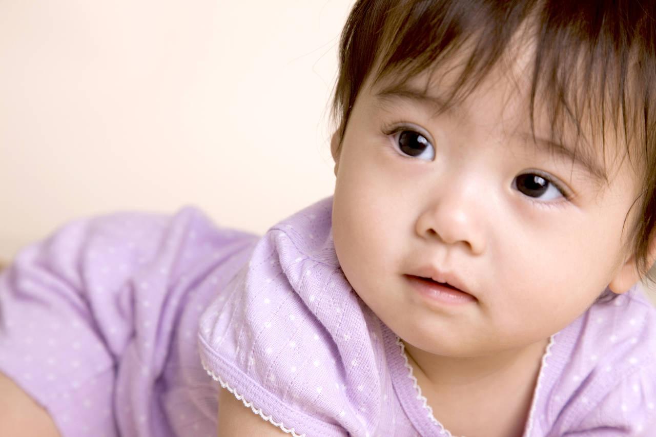 赤ちゃんにふさわしい夏用パジャマとは?スタイルや素材選びで安眠を