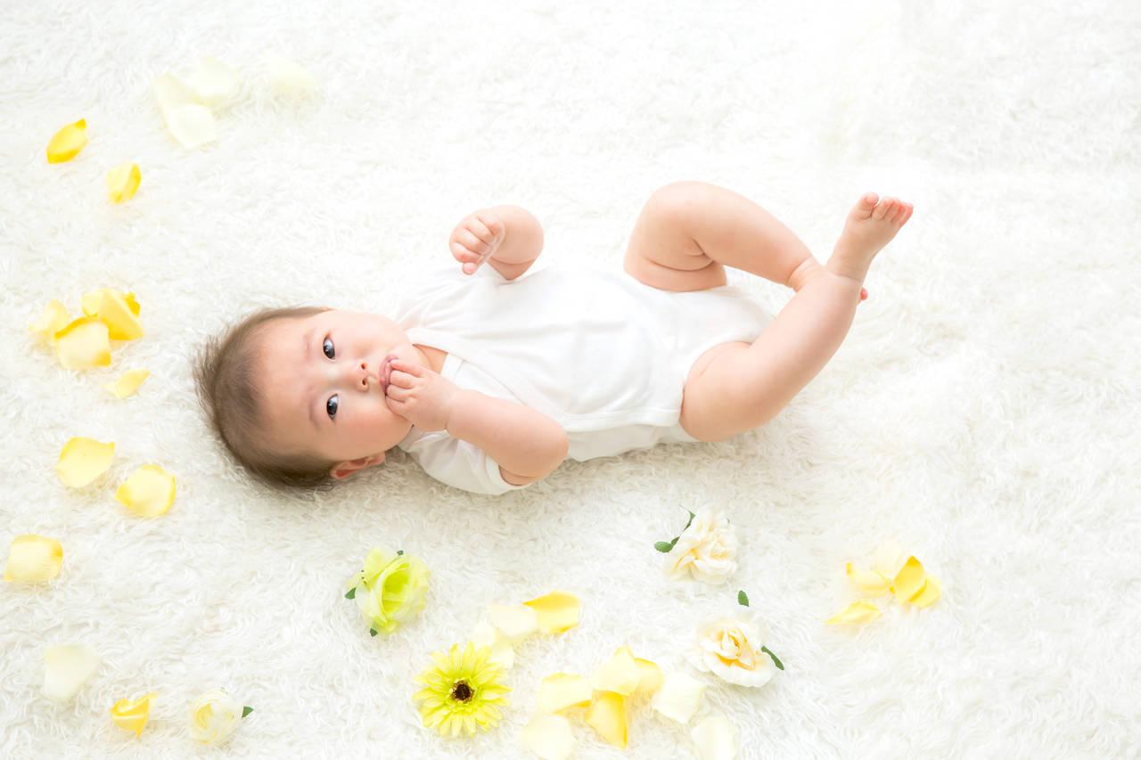 乳児期にどんなお祝いがあるの?お祝いの種類とプレゼントの紹介