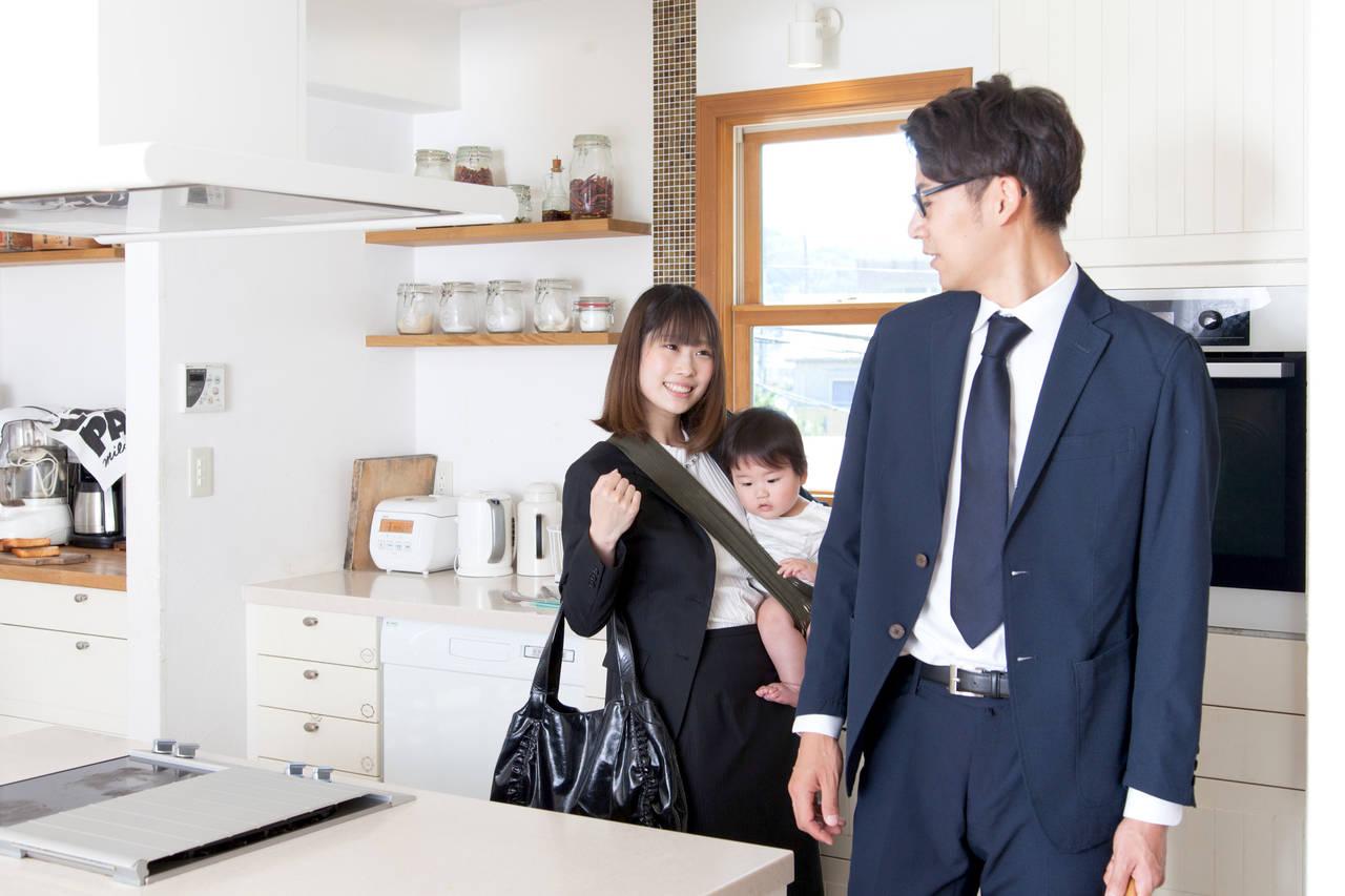 夫婦、正社員家庭の子育てを知る。両立方法やメリットとデメリット