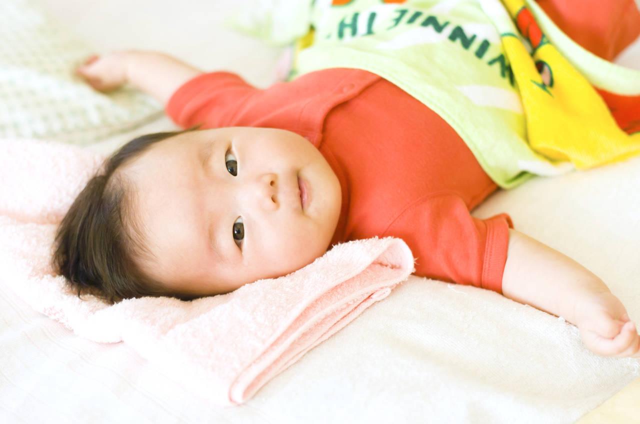 赤ちゃんにパジャマをいつ頃から着せる?実は知らなかったその効果