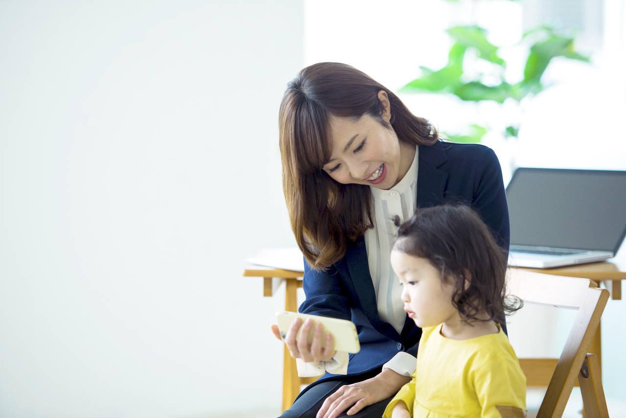 子育てとフルタイムの仕事を両立。働きながら育児を乗り切るコツは?