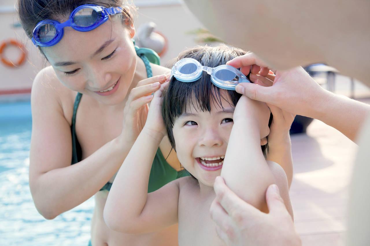 子どもとプールに行こう!忘れずに持っていきたい持ち物と必需品