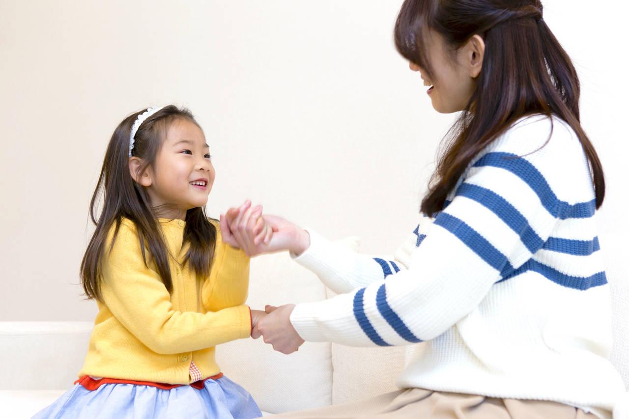 幼児の手遊びはメリットいっぱい!秋の手遊びを親子で一緒に楽しもう