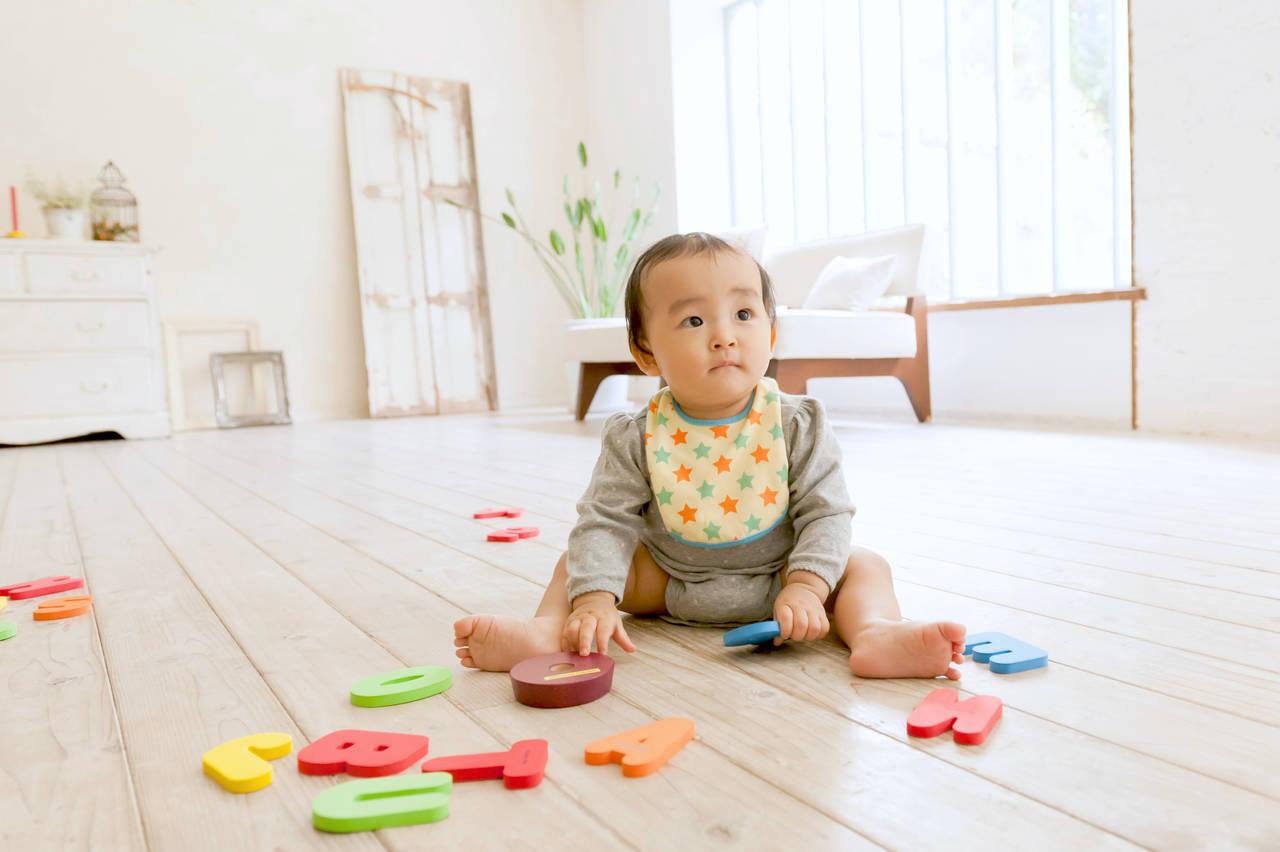 乳児の英語教育はいつから?赤ちゃんから始めるメリットとデメリット