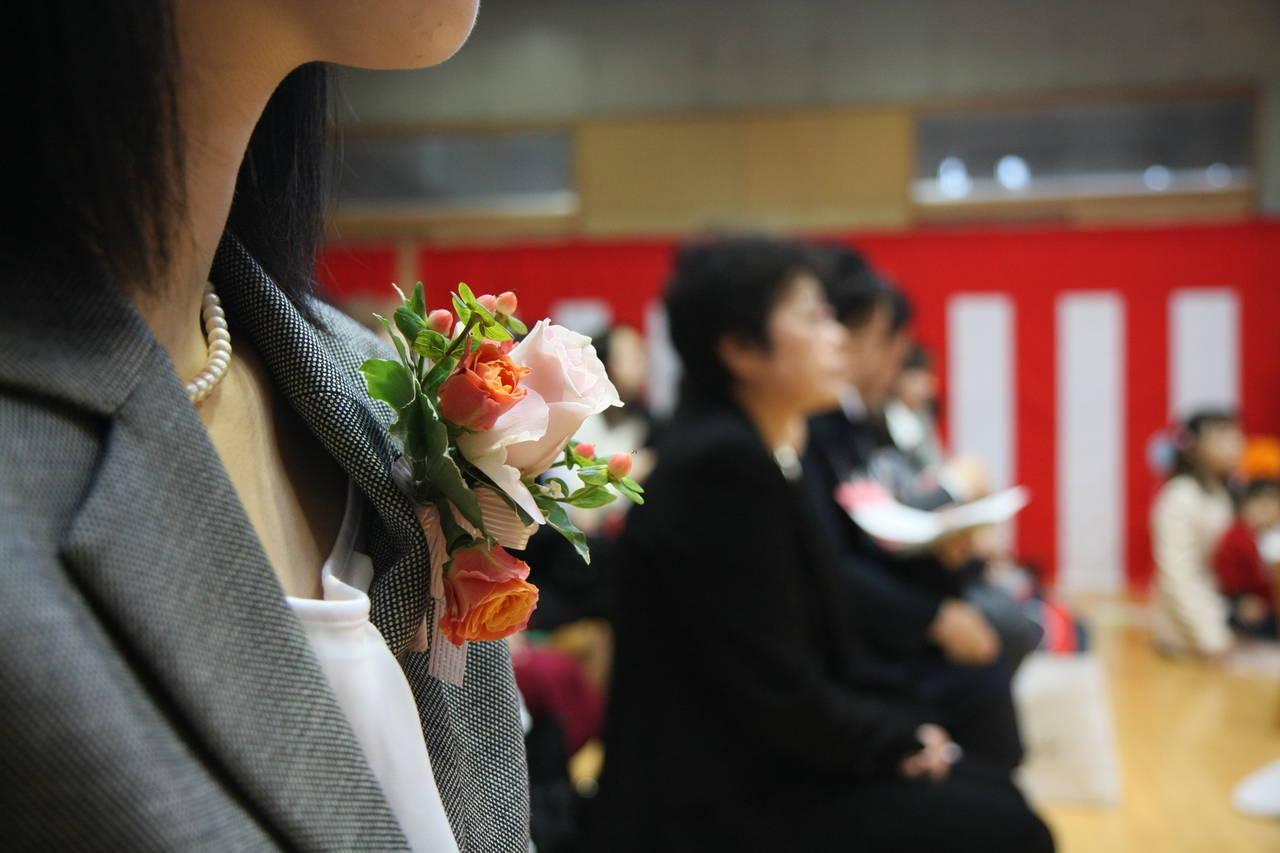 産後の卒園式の服装は?服選びのポイントと卒園式出席への心配事