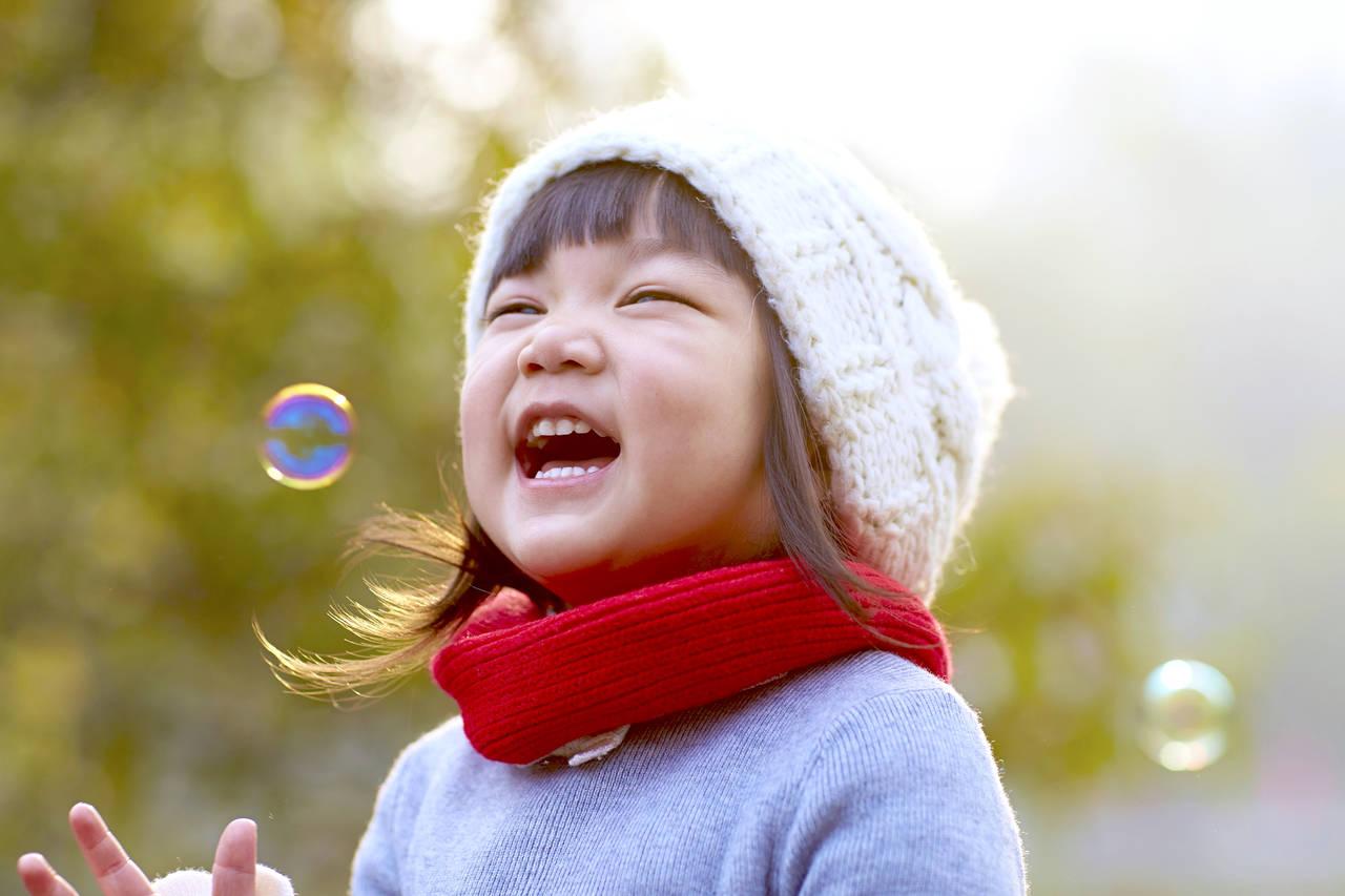 子どもはシャボン玉が好き!シャボン玉液の作り方や人気商品を紹介