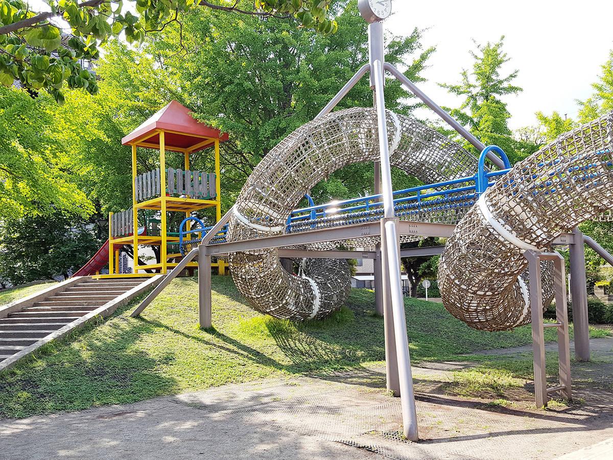 【東京・江戸川区】複合遊具が印象的「宇喜田さくら公園」