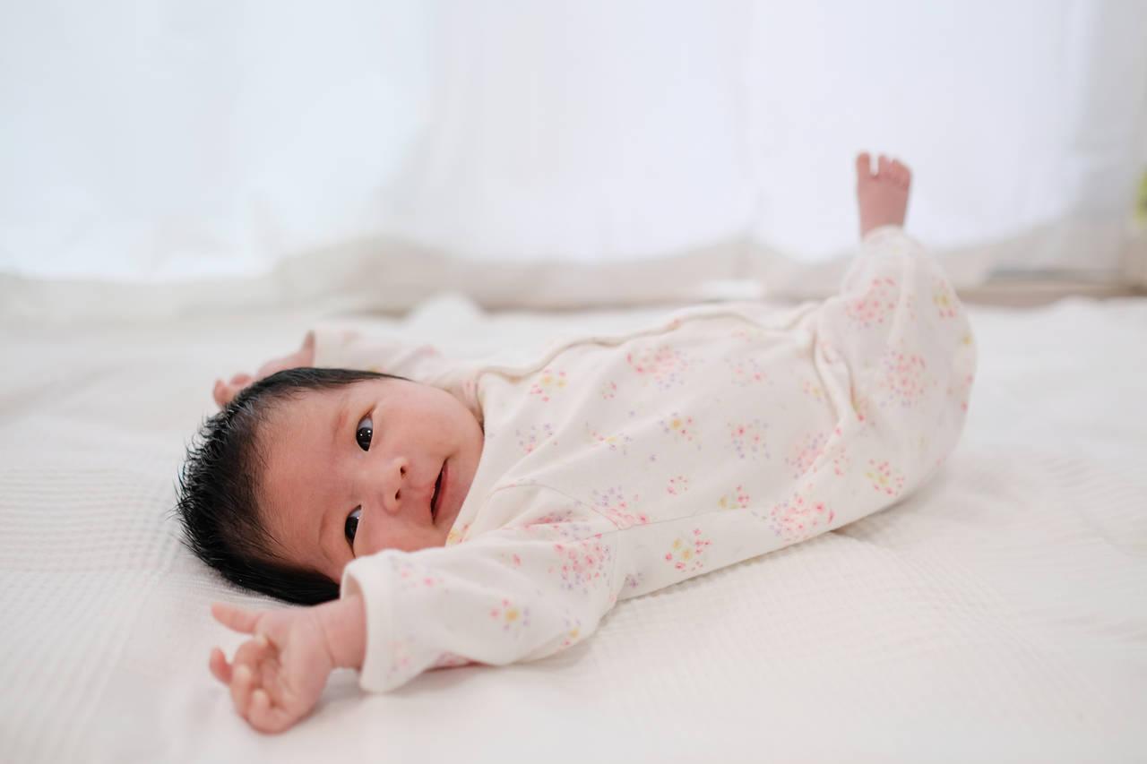 fda4e51f05f92 新生児と過ごす初めての冬。服装や室温など冬の過ごし方をご紹介 ...