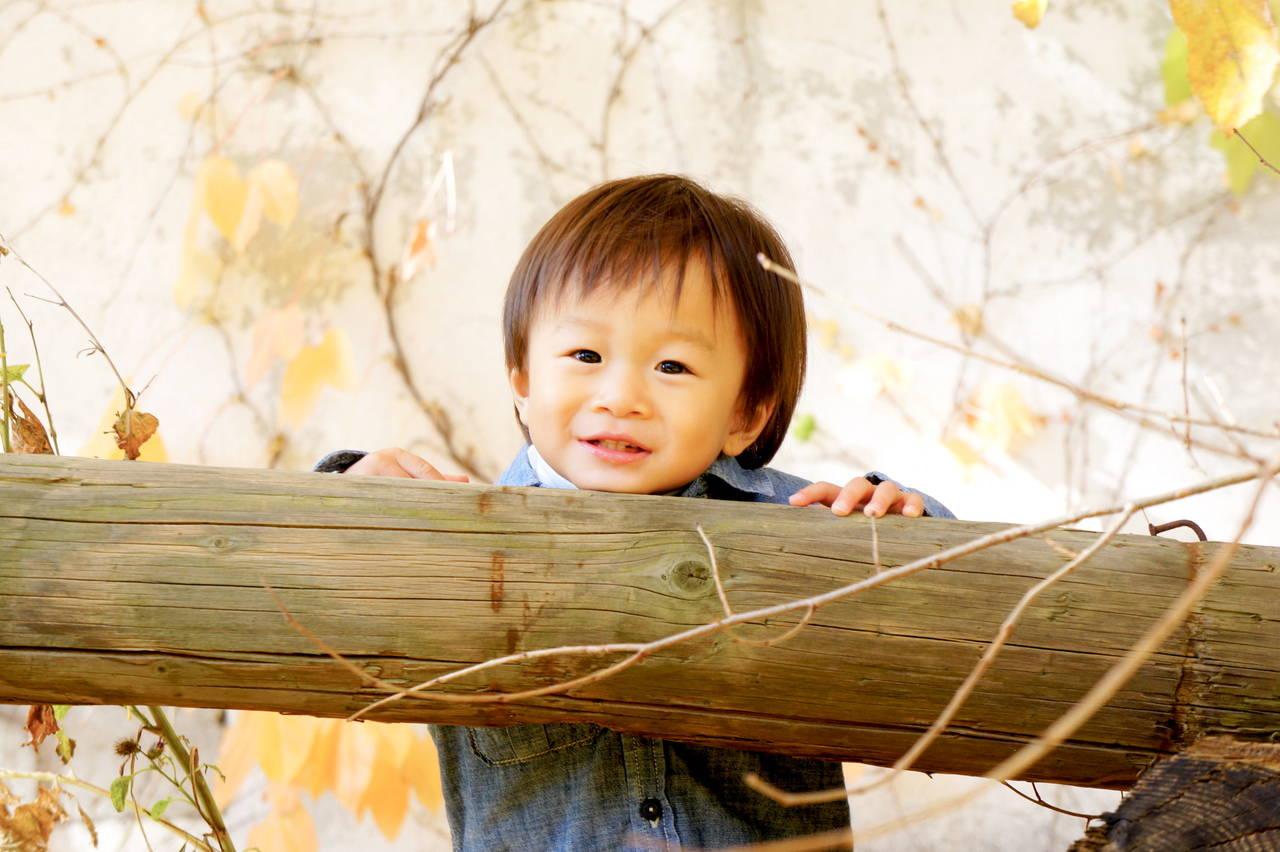 幼児が喜ぶ秋の遊びを知ろう!遊び方と遊びがもたらす嬉しい効果