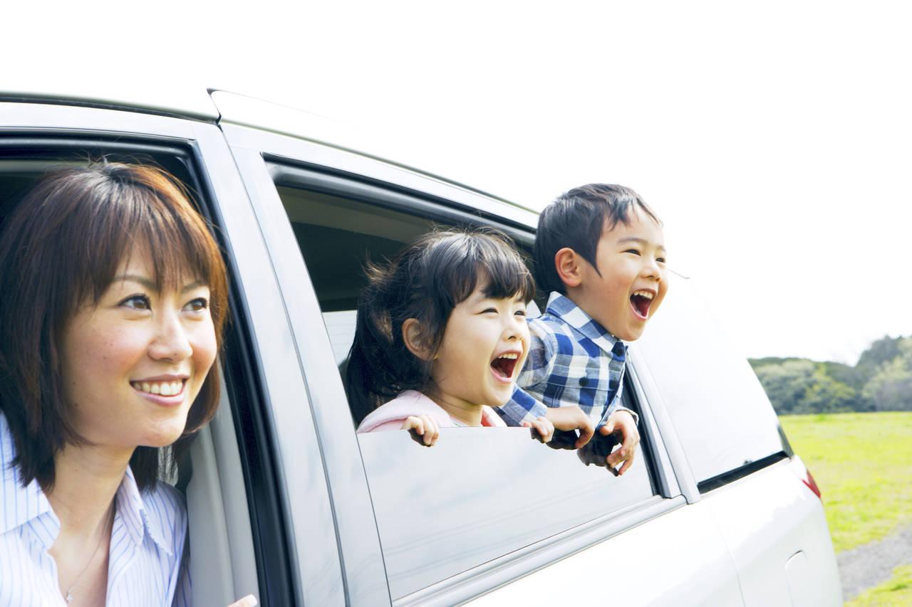 子育てママにおすすめの車種!選ぶポイントや軽からミニバンまで解説