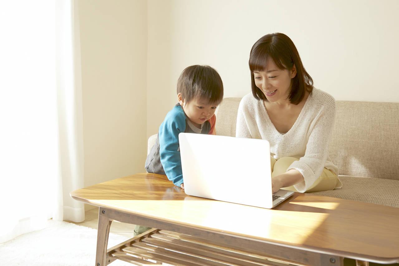 子どもがいるなら在宅ワーク!保育園に入る方法や育児との両立のコツ