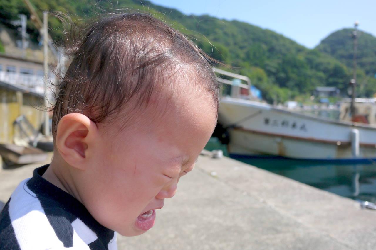 赤ちゃんが海で泣く理由を知ろう!泣かない海の過ごし方をご紹介