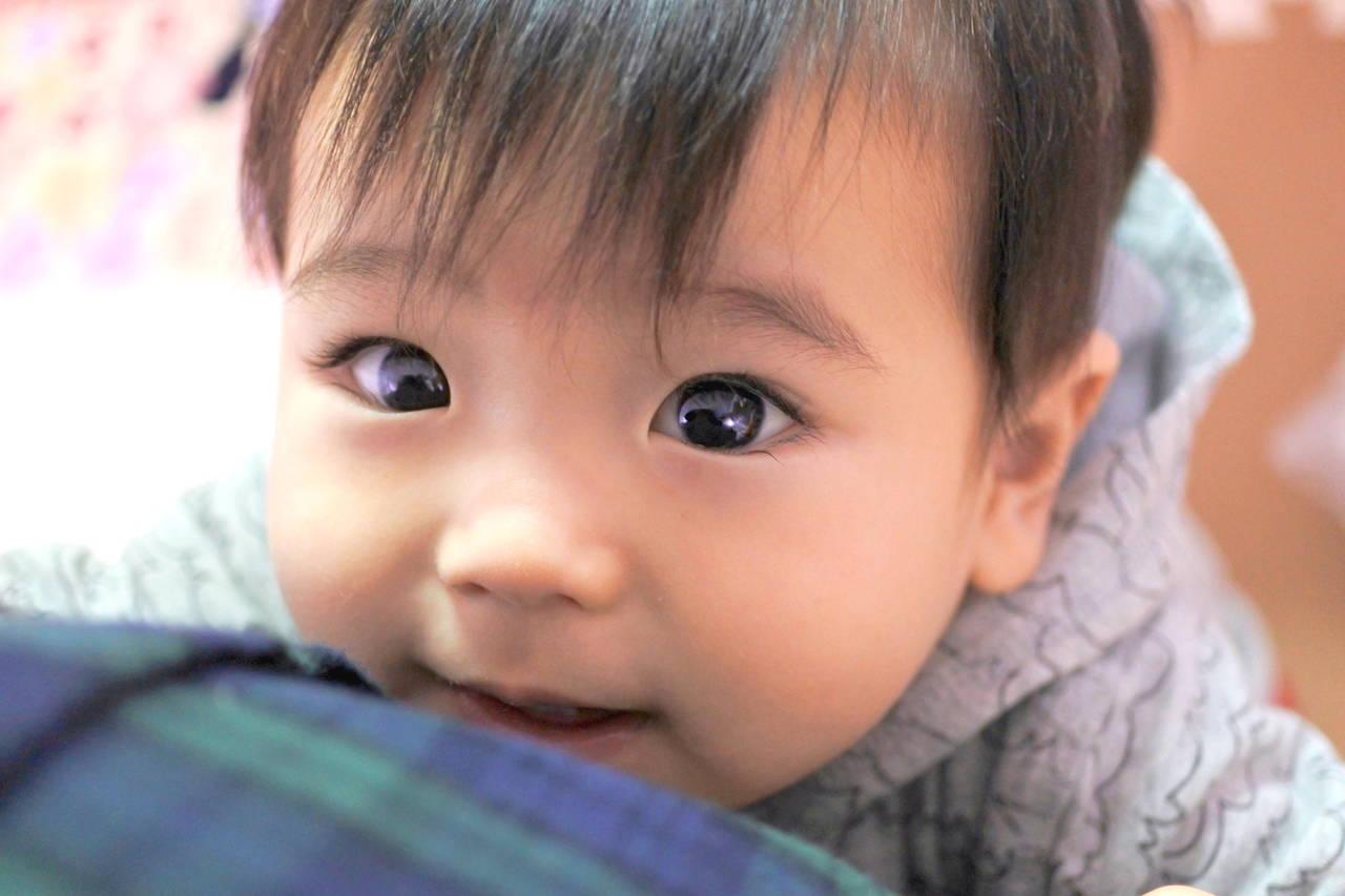 抱っこをせがむ子どもの気持ちを知ろう!対処法と抱っこのメリット