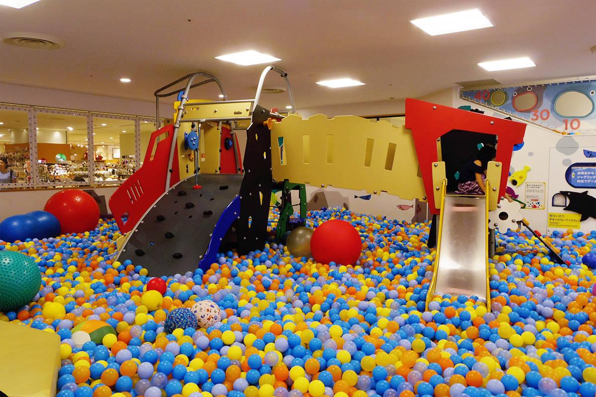 【東京】広々スペースで遊べる「ボーネルンドあそびのせかい セレオ八王子店」