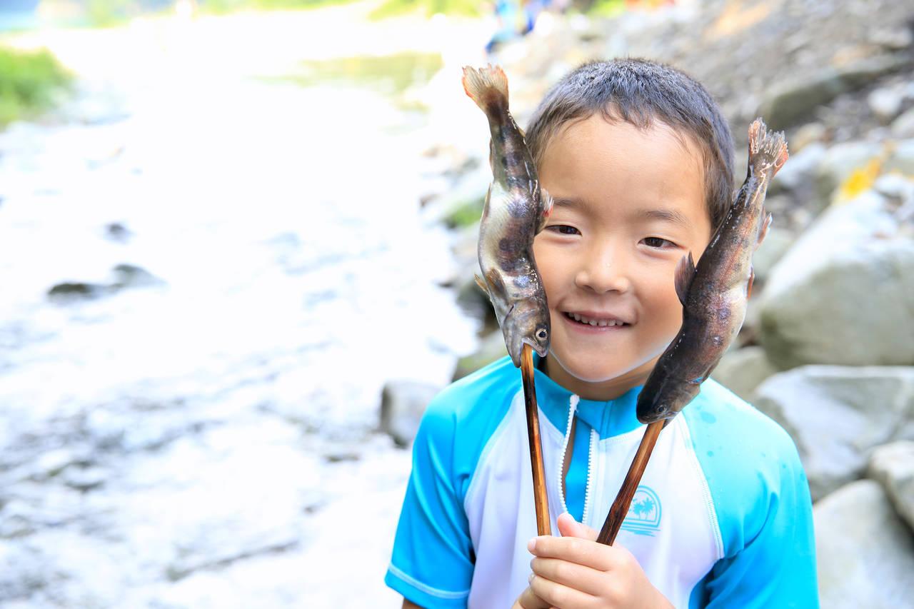 親子で釣り体験を楽しもう!釣りの魅力や思い出に残る釣り体験の紹介