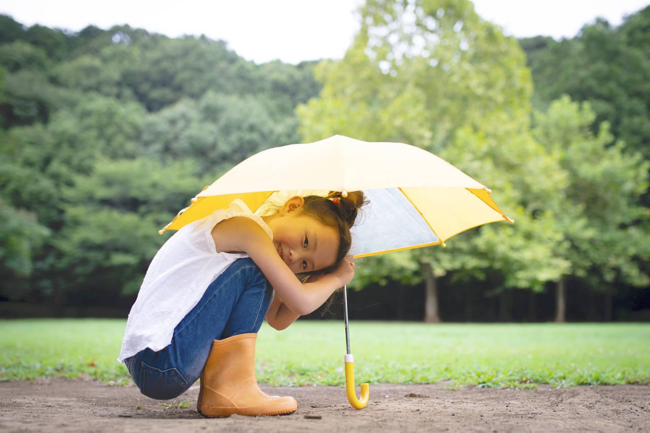 子どもの傘での怪我を防ぎたい!安全な取り扱い方と怪我の実例を紹介
