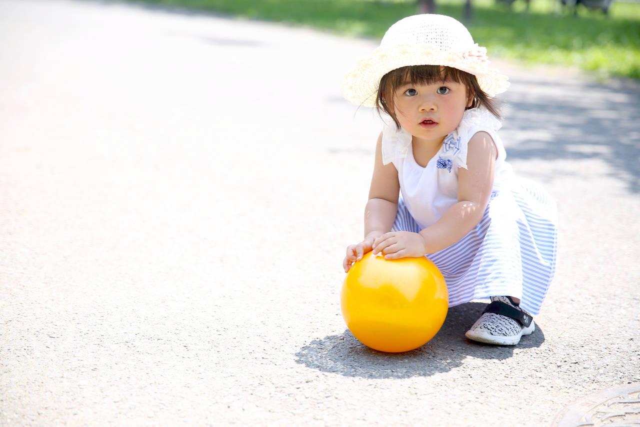 親子でボール遊びを楽しもう!注意点や年齢別の遊び方、イベント紹介