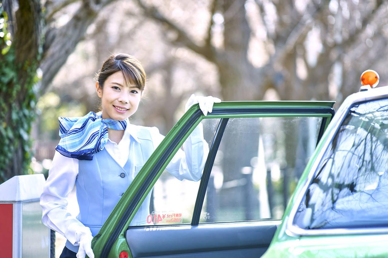 マタニティタクシーを利用しよう!特徴や利用方法とマタニティギフト