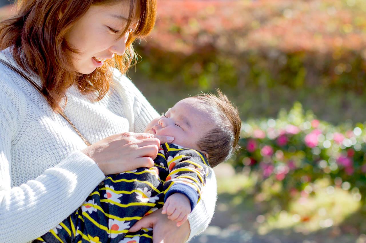 赤ちゃんとの秋の散歩の楽しみ方!適した時間帯やお散歩する効果
