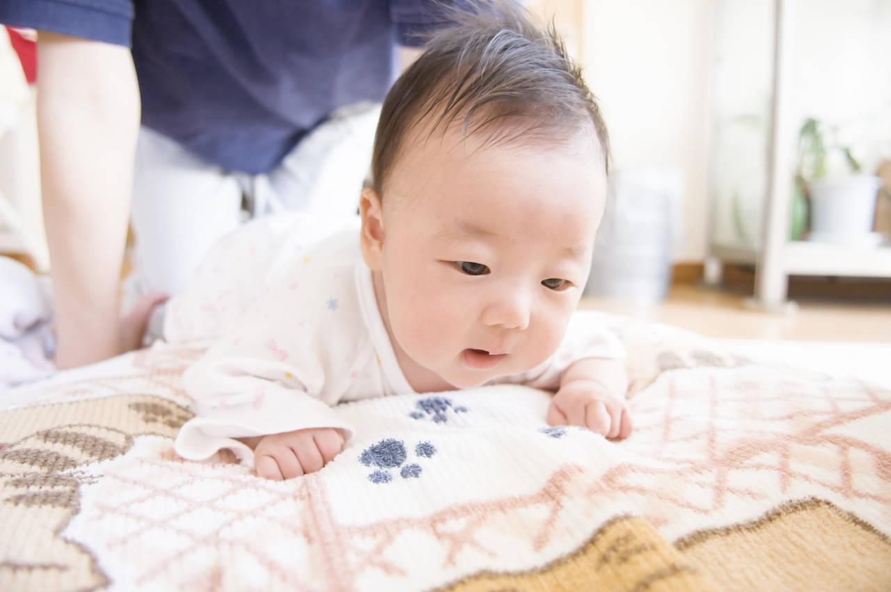 3カ月赤ちゃんの秋の服装!ポイントや可愛いコーデ、寝る服装も紹介
