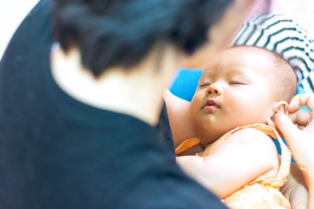 赤ちゃん 寝かしつけ 何時