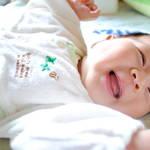 いつから赤ちゃんは笑うの?赤ちゃんを笑顔にする遊びとポイント