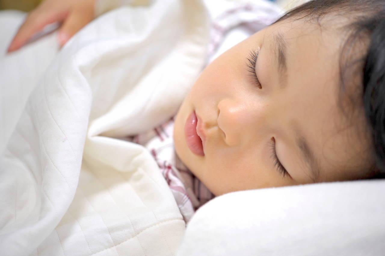秋に幼児が使うとよい寝具とは?季節の変わり目を快適に過ごす方法