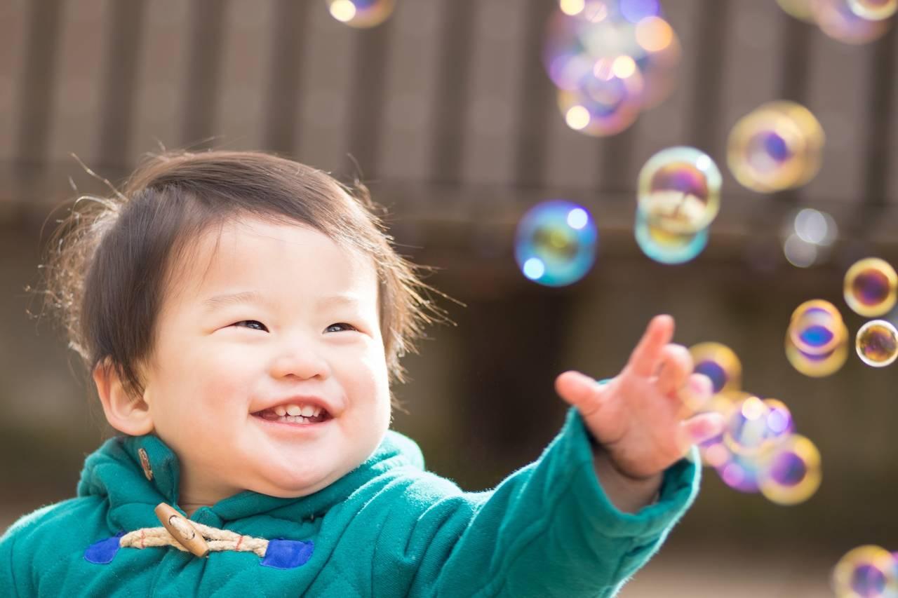 シャボン玉好きの子どもにおすすめを発見!商品タイプや安全性も確認