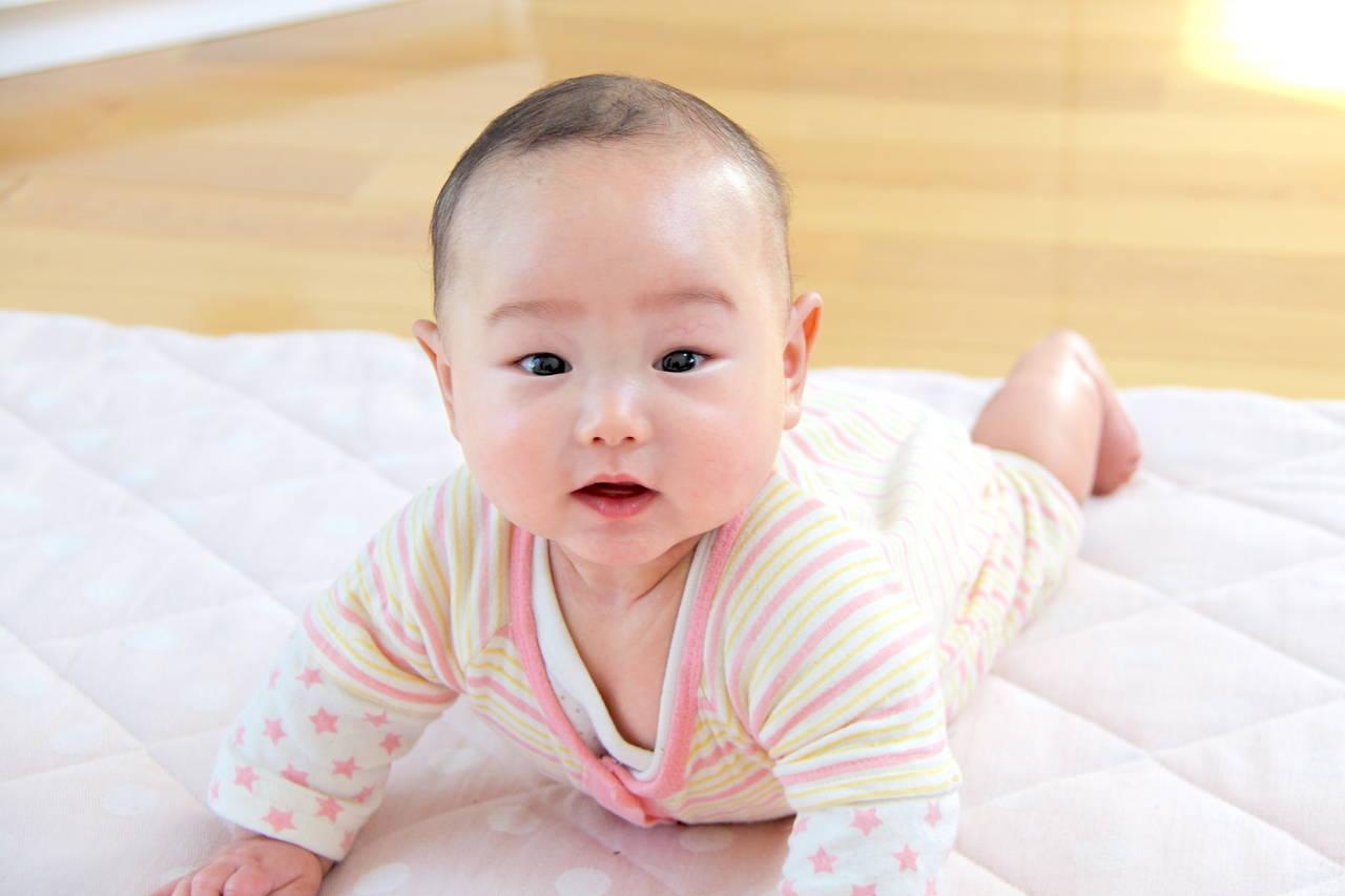 赤ちゃんが秋を心地よく過ごすには?過ごしやすい服装や温度を知ろう