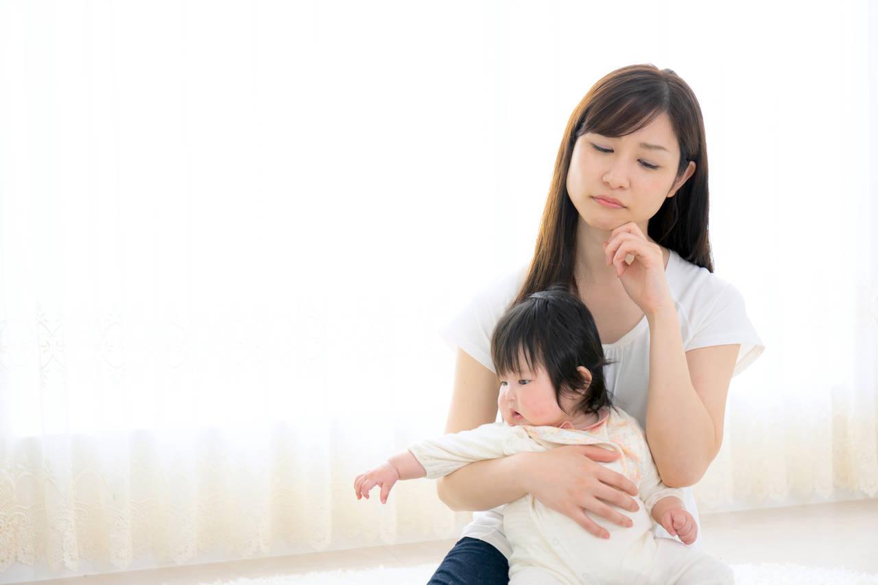 赤ちゃんとの毎日が不安なママへ。及ぼす影響や解消方法をご紹介