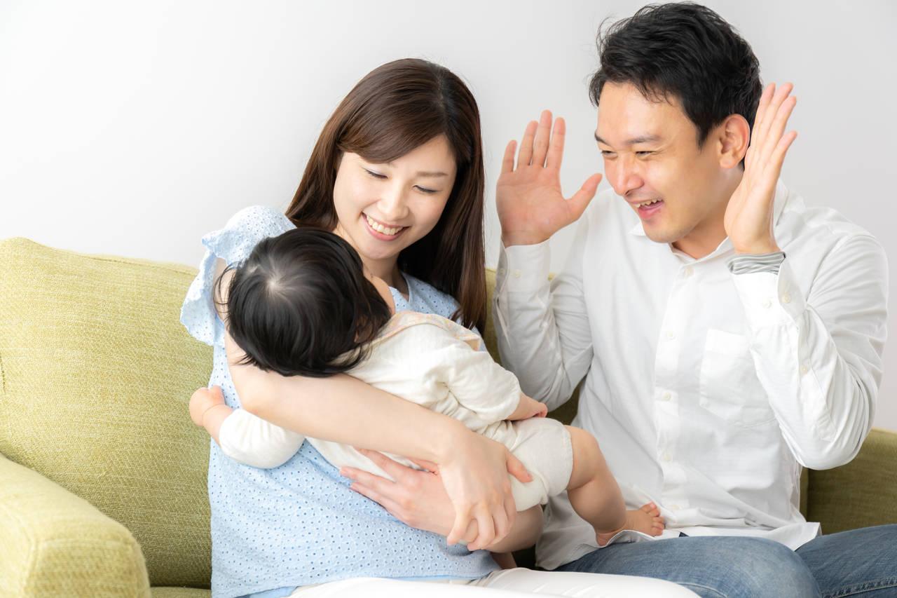 赤ちゃんが笑う理由は?いないいないばぁの上手なやり方とメリット