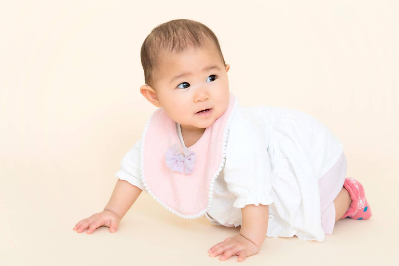 秋は室内で赤ちゃんに靴下をはかせる?赤ちゃんの体温調節と靴下