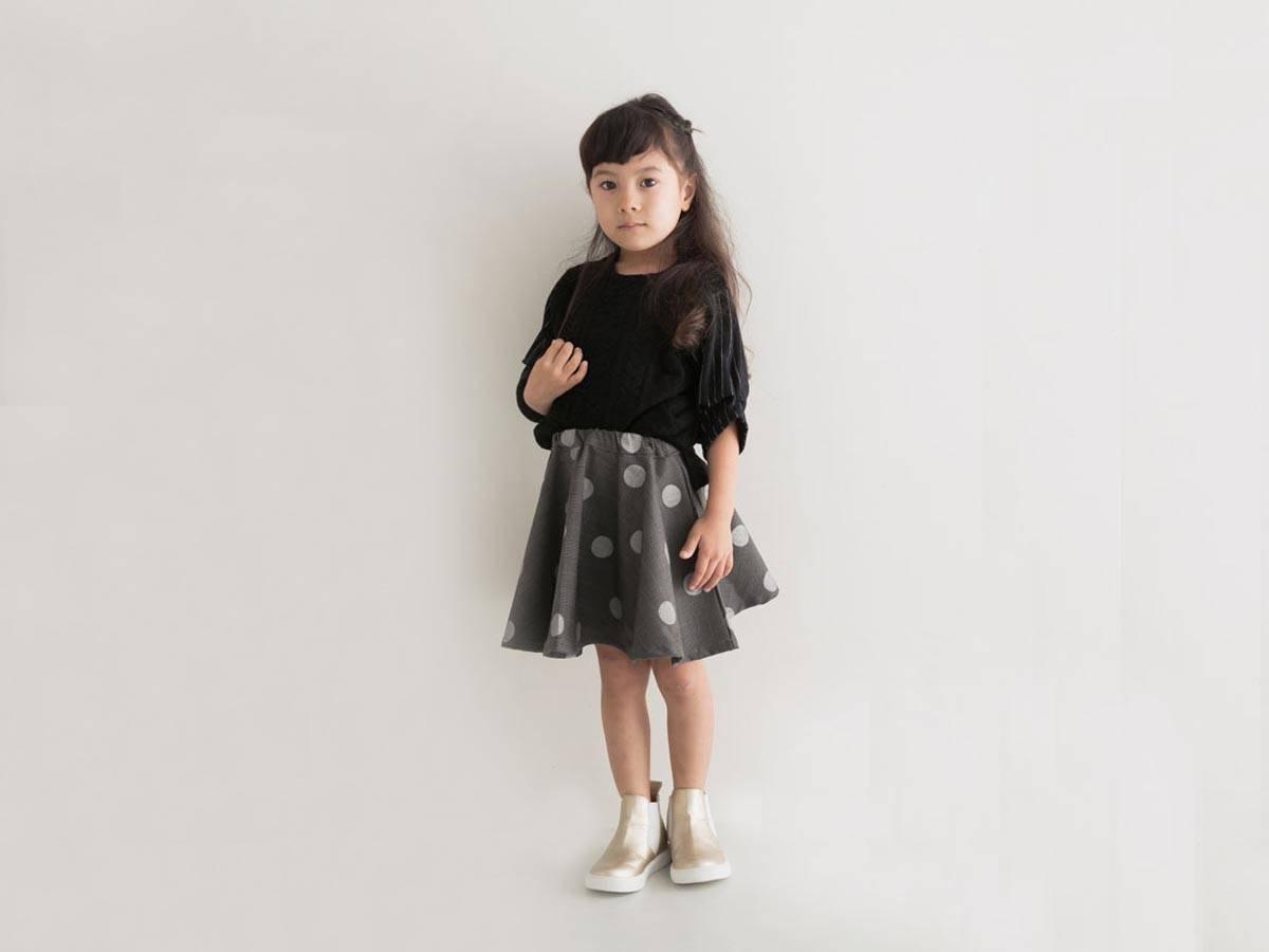 黒を取り入れた女の子の秋冬キッズコーデ。大人顔負けの12選