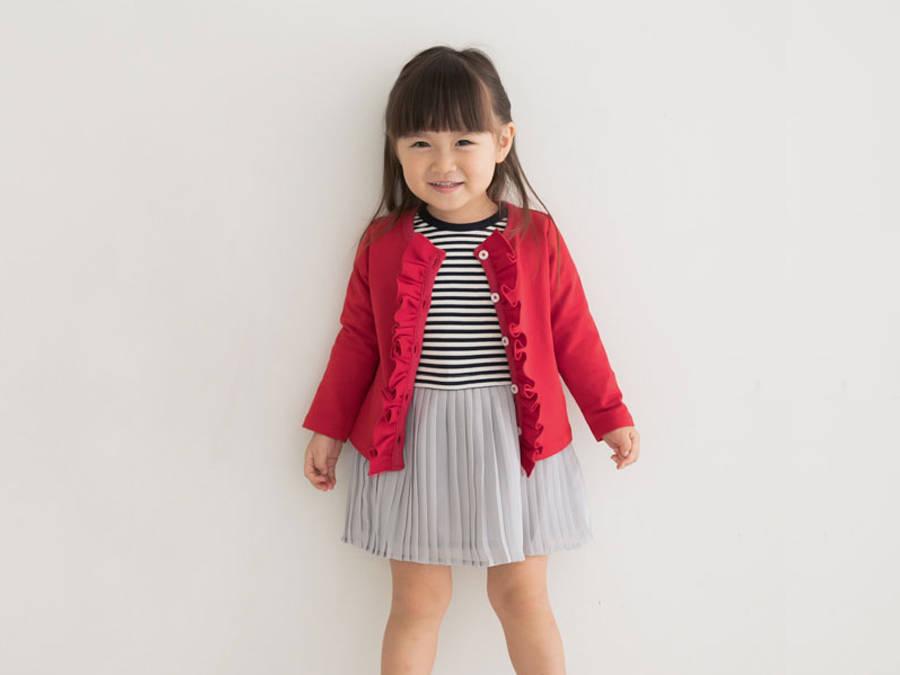 赤は女の子をキュートにみせる魔法のカラー。秋冬を彩るキッズコーデ
