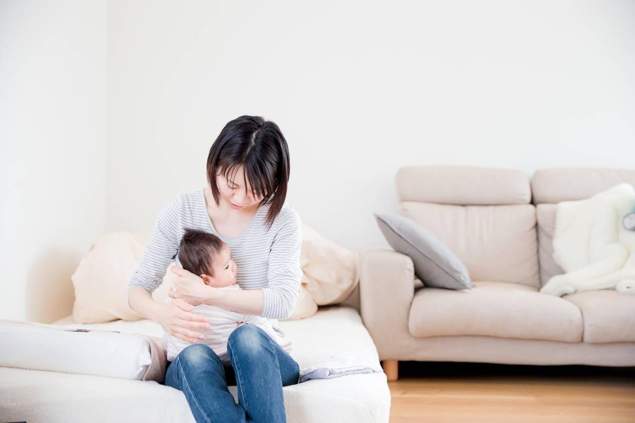 赤ちゃんの寝る場所はどこ?安心して寝かせられるスペースとは