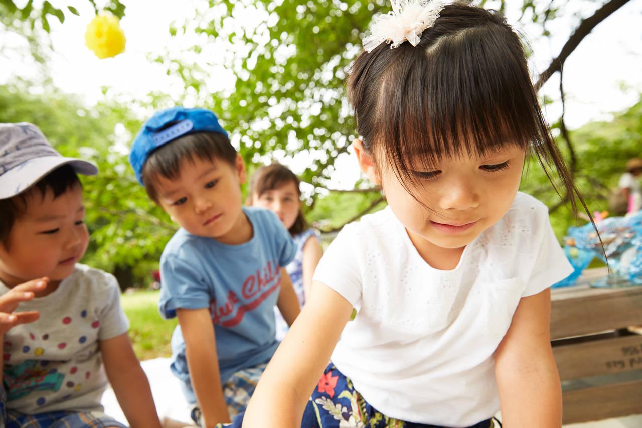 子どもの集団遊びの大切さを知ろう!屋内や屋外で楽しい遊びを紹介