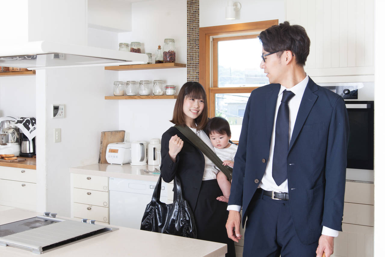 共働き夫婦の子どもはどっちの扶養に入る?税金や控除も理解しよう