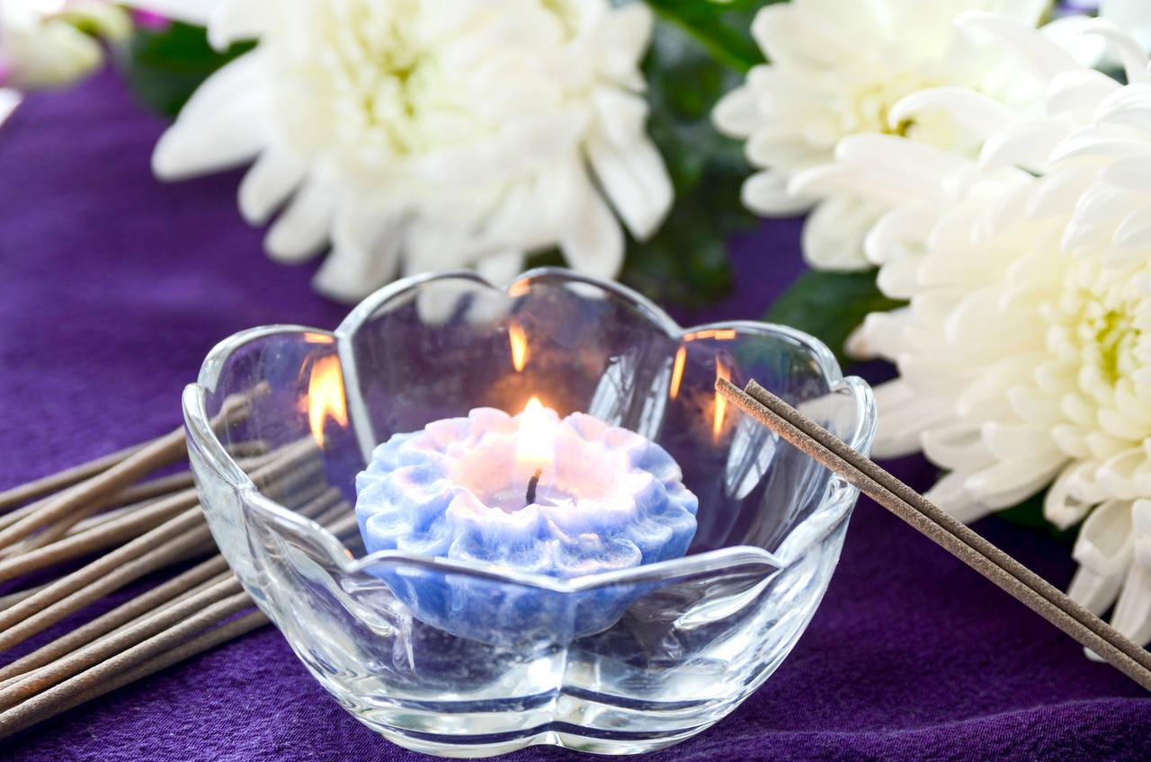 産後すぐの葬儀は参列できる?赤ちゃん連れの場合の考え方と注意点