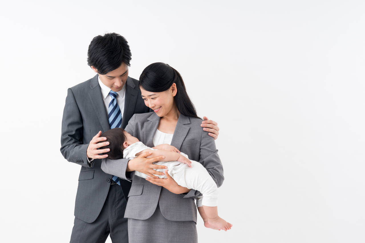 共働きは赤ちゃんにとって悪影響?共働きのメリットとデメリット